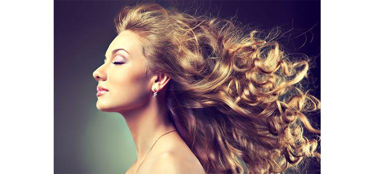 3 erros comuns na hora de lavar os cabelos