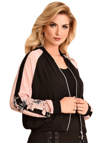 jaqueta bomber preta e rosa bordada fascinius viaevangelica frente