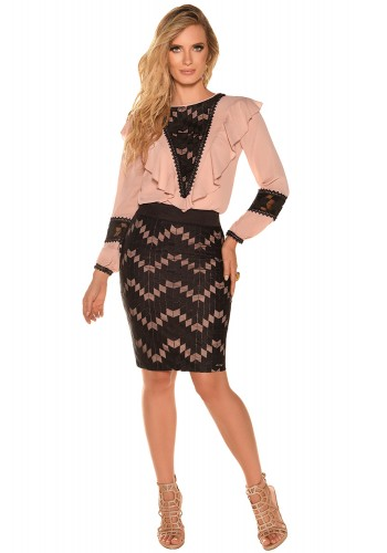 conjunto rose blusa manga longa babados gola saia estampa geometrica fascinius viaevangelica frente