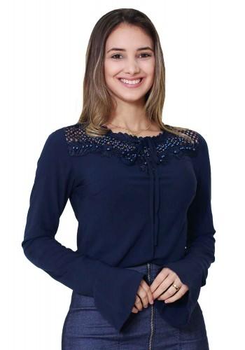 blusa azul marinho com bordado e amarracao no decote manga flare tata martello viaevangelica frente