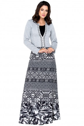 conjunto saia longa estampada preto e branco casaco cinza ziper bordado pedrarias zunna ribeiro viaevangelica frente