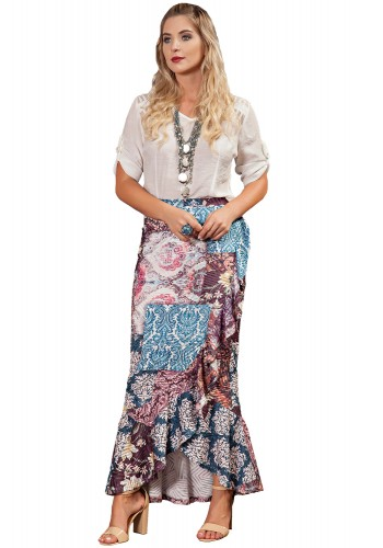 conjunto saia longa assimetrica estampada colorida camisa off white perolas kauly viaevangelica frente