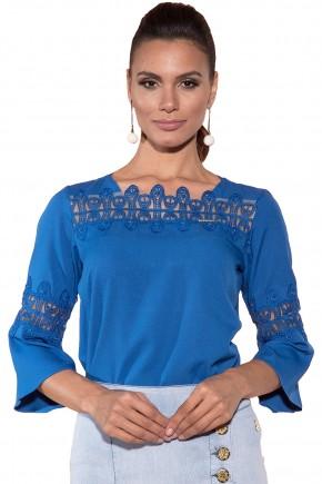 blusa azul royal gola tule guipir manga entremeio via tolentino viaevangelica frente detalhe