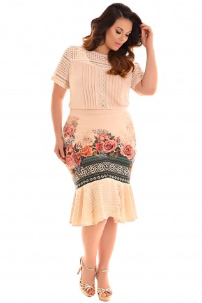 conjuntoo plus size blusa bege renda saia sino midi estampa floral e geometrica rendada fascinius viaevangelica frente