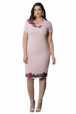 vestido justo rose aplicacoes florais decote e barra detalhe metalico cassia segeti frente