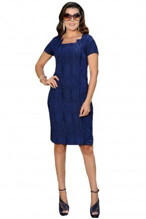 vestido tubinho azul escuro decote diferenciado manga curta estampa relevo cassia segeti frente