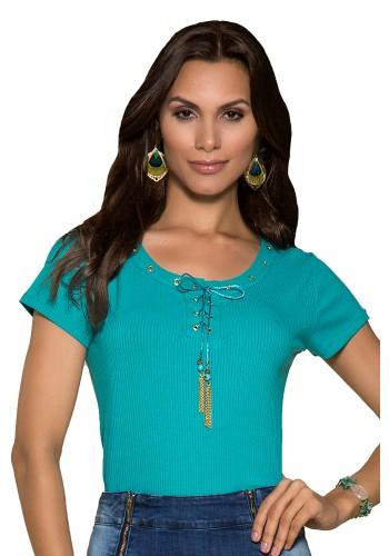 blusa verde agua canelada detalhe trancado e amarracao no decote nitido jeans frente detalhe
