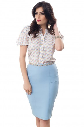 conjunto camisa estampada botoes saia azul claro justa bella heranca frente