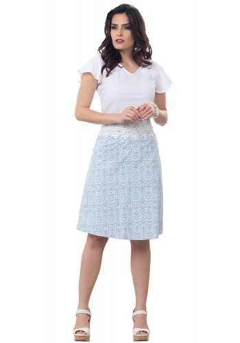 conjunto blusa branca detalhe floral mangas amplas saia evase estampa arabescos detalhe guipir bella heranca frente