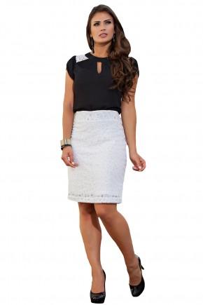conjunto blusa preta ombros rendados decote vazado saia justa branca rendada kauly frente