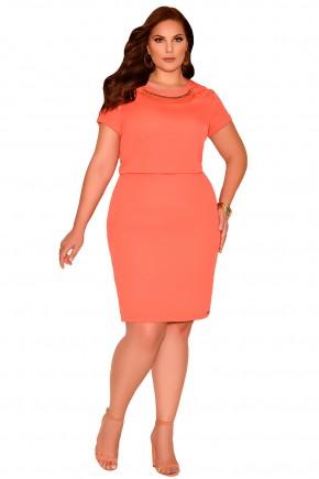 vestido laranja justo cintura marcada detalhe trancado ombro decote bordado pedrarias plus size frente